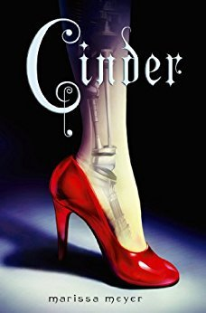 Review: Cinder (The Lunar Chronicles #1) by MarissaMeyer
